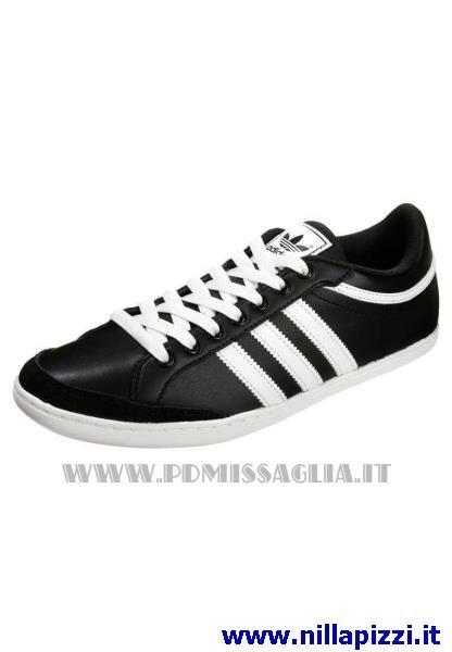 scarpe adidas nere basse