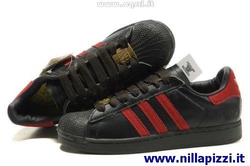 adidas rosse e nere scarpe