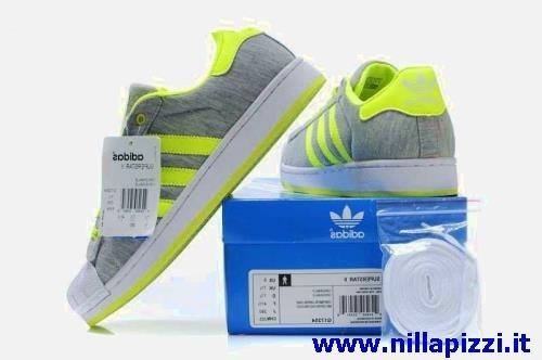 scarpe adidas contrassegno