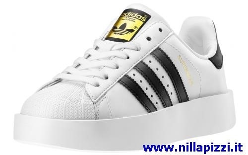 7f4d4b9c12 scarpe adidas costo